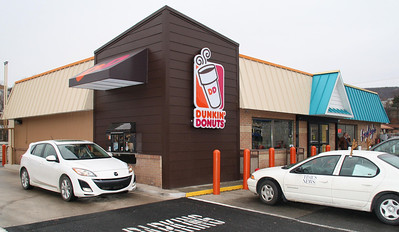 Grand Opening, Dunkin Donuts, Fegley's Mini Mart, Tamaqua (12-20-2011)