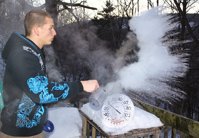 Boiling Water to Snow, Tamaqua (1-24-2011)