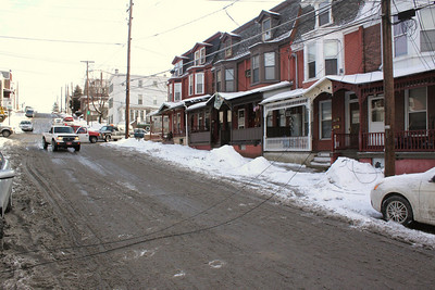 Tractor Trailer Tears Down Utility Lines, Mauch Chunk St, Tamaqua (1-27-2011)