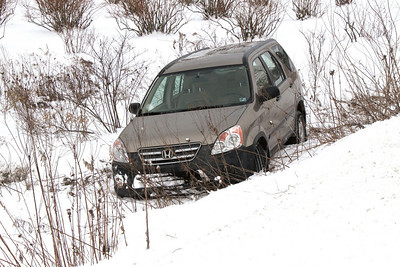 Vehicle in Snow Ditch, Summer Valley Road, SR-895, Snyders (1-27-2011)