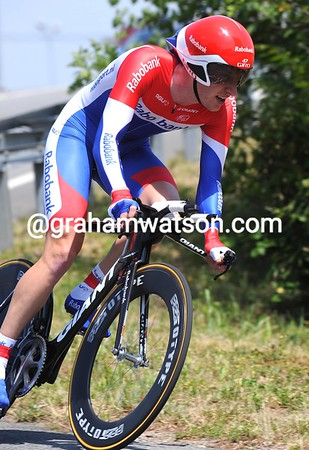 Dutch time trial champion Jose Van Emden finished in 6th place, 1' 02 down...