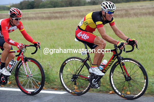 Philippe Gilbert launches a counter-attack, but it's too late..!