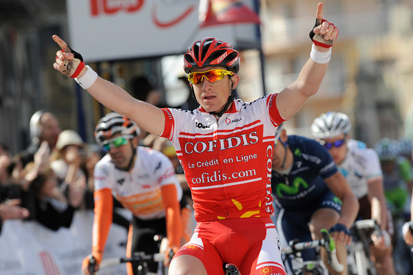 Samuel Dumoulin wins stage five into Tarragona...