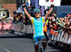 Alexandre Vinokourov wins stage three after a late, late attack...