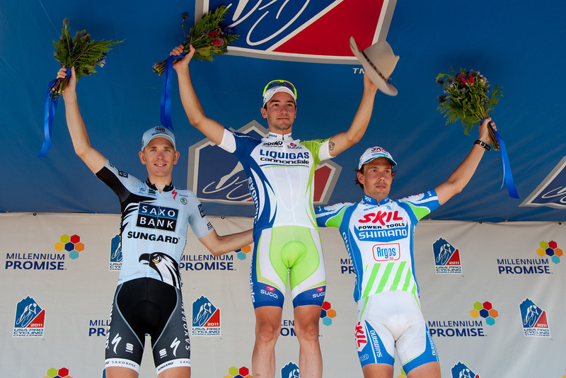 Viviani seems a bit more accostomed to this podium behavior.