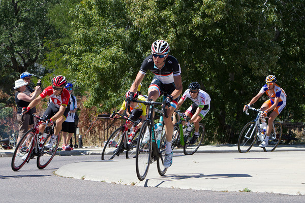 Even the US has some roundabouts to hop, Frank Schleck shows how it is done...