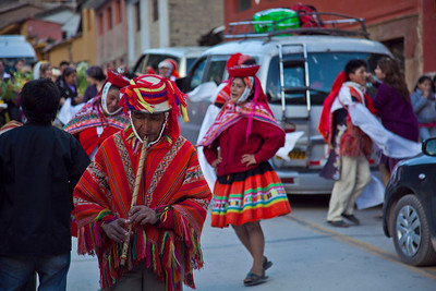 A wedding parade in Ollantaytambo