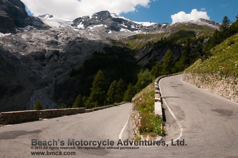 "Taken at Latitude/Longitude:46.533806/10.490441. 0.73 km West Grand' Albergo Trentino-Alto Adige Italy <a href=""http://www.geonames.org/maps/google_46.533806_10.490441.html""> (Map link)</a>"