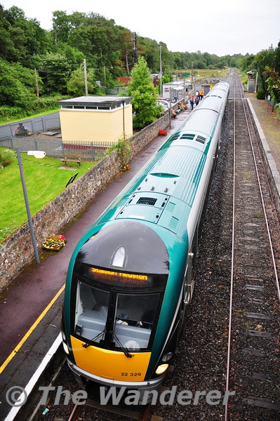 After coming under local pressure to operate a Special GAA service on the Nenagh Branch, IE provided 3ICR to operate a 0900 Birdhill - Heuston GAA Special calling at Nenagh, Roscrea and Ballybrophy.  22029 is pictured at Birdhill shortly before departure. Sun 04.09.11