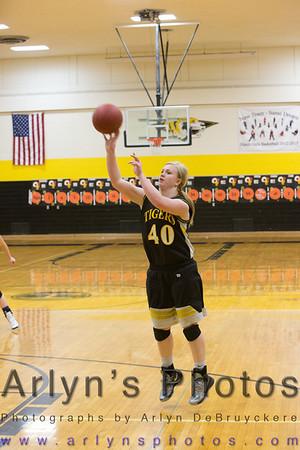 Hutch GIrls Basketball vs Waconia