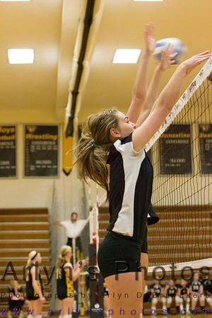Hutch Volleyball vs Delano
