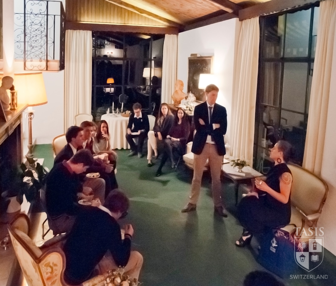 After the lecture, students were invited to Casa Fleming for dessert and continued discussion.