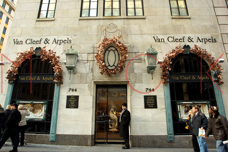 NEW YORK, NY - DECEMBER 13:  Van Cleef & Arpels Holiday Windows on December 13, 2012 in New York City.  (Photo by Steve Mack/S.D. Mack Pictures)