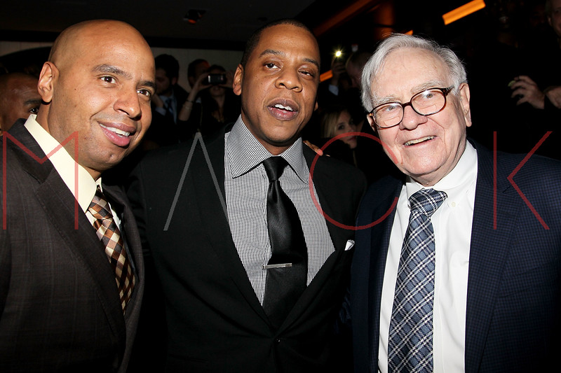 NEW YORK, NY - JANUARY 18:  (L-R) 'OG' Juan Perez, Jay-Z and Warren Buffett attend the grand re-opening of Jay-Z's 40/40 Club on January 18, 2012 in New York City.  (Photo by Steve Mack/S.D. Mack Pictures)