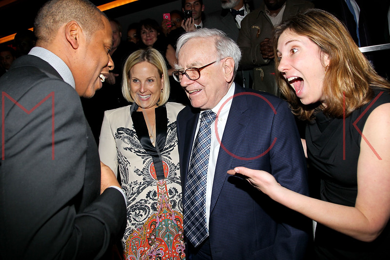 NEW YORK, NY - JANUARY 18:  Jay-Z and Warren Buffett attend the grand re-opening of Jay-Z's 40/40 Club on January 18, 2012 in New York City.  (Photo by Steve Mack/S.D. Mack Pictures)