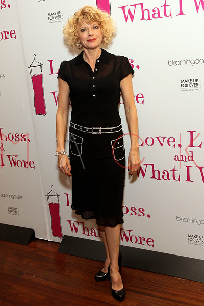 "NEW YORK, NY - MARCH 01:  Actress Karyn Quackenbush attends the ""Love, Loss and What I Wore"" final cast change celebration at B. Smith's Restaurant on March 1, 2012 in New York City.  (Photo by Steve Mack/Getty Images)"