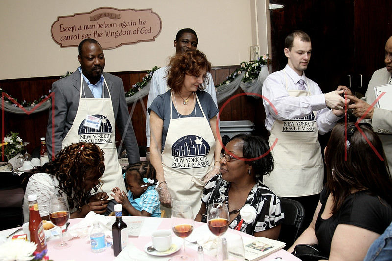 New York City Rescue Mission's Mothers Day Banquet, New York, USA
