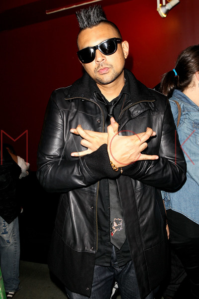 NEW YORK, NY - OCTOBER 02:  Sean Paul poses backstage at S.O.B.'s on October 2, 2012 in New York City.  (Photo by Steve Mack/S.D. Mack Pictures)