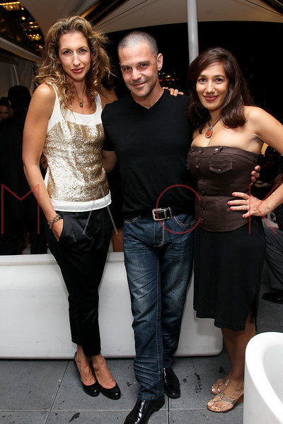NEW YORK, NY - SEPTEMBER 06:  Alysia Reiner, David Allen Basche and Purva Bedi at Sky Room on September 6, 2012 in New York City.  (Photo by Steve Mack/Getty Images for Caravan)