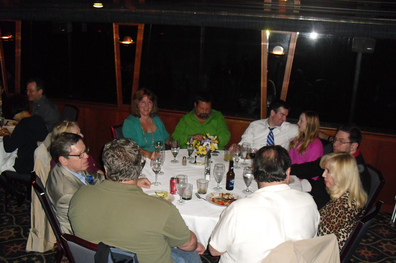 Deron Harrington, Murray & Jackie Saylor, David & Tracy De Jong, Eric & Stacey Rollinger, David Torchinsky and Nick Lioce & Pam Cherry at the closing dinner.