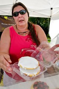 Hartland Farmer's Market Hartland VT July 13, 2012 Copyright ©2012 Nancy Nutile-McMenemy www.photosbynanci.com For The Vermont Standard: http://www.thevermontstandard.com/ Image Galleries: http://thevermontstandard.smugmug.com/