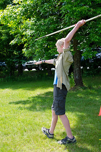 6th Grade Class Medieval Celebration Upper Valley Waldorf School Quechee VT June 1, 2012 Copyright ©2012 Nancy Nutile-McMenemy www.photosbynanci.com For The Vermont Standard: http://www.thevermontstandard.com/ Image Galleries: http://thevermontstandard.smugmug.com/