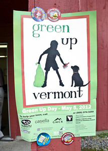 Vermont Green Up Day 2012 South Woodstock VT May 5, 2012 Copyright ©2012 Nancy Nutile-McMenemy www.photosbynanci.com For The Vermont Standard: http://www.thevermontstandard.com/ Image Galleries: http://thevermontstandard.smugmug.com/