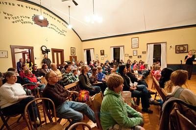 Bridgewater Community Potluck Bridgewater Community Chorus and the Bridgewater Village School Bridgewater Grange, Bridgewater VT November 17, 2012 Copyright ©2012 Nancy Nutile-McMenemy www.photosbynanci.com For The Vermont Standard: http://www.thevermontstandard.com/ Image Galleries: http://thevermontstandard.smugmug.com/