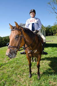 6th Nouth Country Hounds Hunter Pace Hartland VT September 9, 2012 Copyright ©2012 Nancy Nutile-McMenemy www.photosbynanci.com For The Vermont Standard: http://www.thevermontstandard.com/ Image Galleries: http://thevermontstandard.smugmug.com/