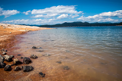 lake jocassee shore