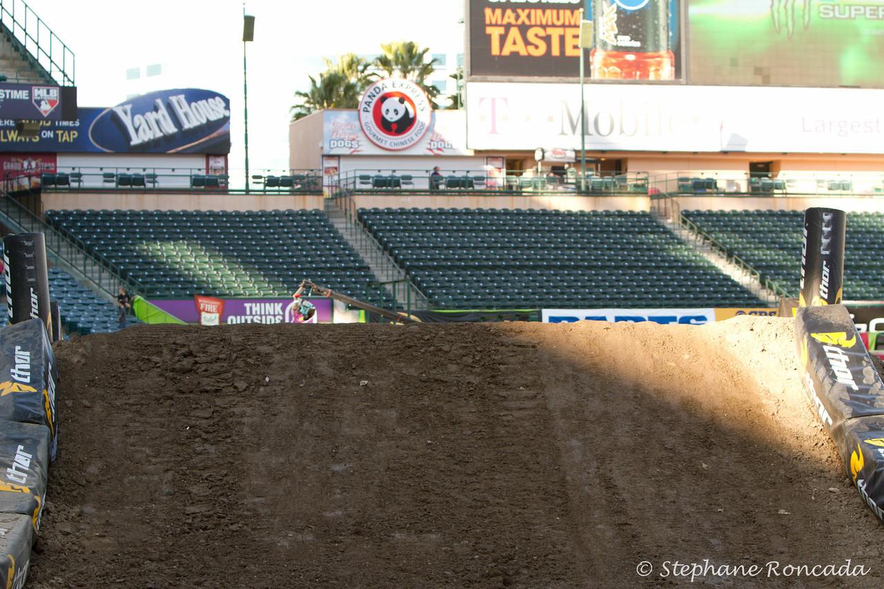Anaheim2-BehindTheScenes-33