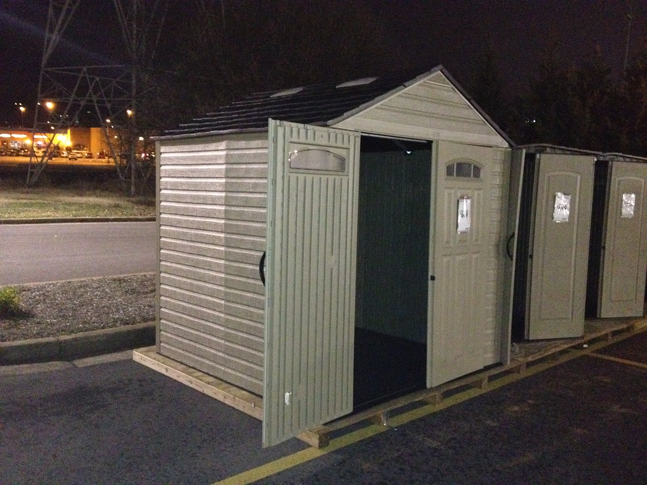 I start the shed search by shopping for small plastic sheds