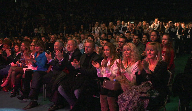 2012-11-30 Zlaty koncert Bratislava - Lucie Bila - fronk df3a49813f9