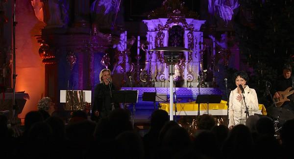 2012-12-20 Bile Vanoce Frydek Mistek - Lucie Bila
