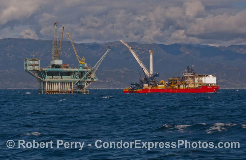 vessel Intrepid pipe laying 2012-02-13 SB Coast-007