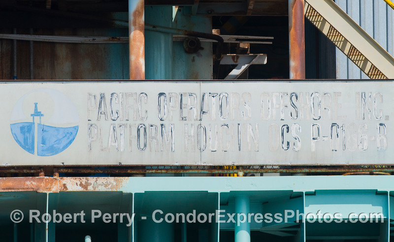 Signage on Platform Houchin.