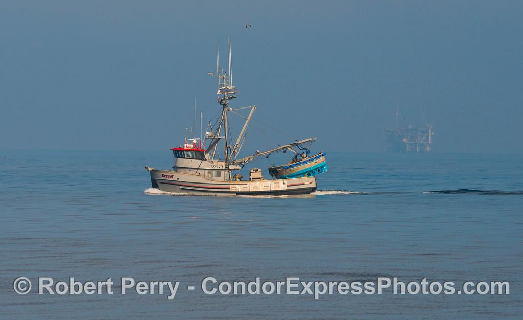 vessel seiner Defiant 2012 11-23 SB Channel-001
