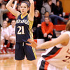 Courtney Caughey-Stambul/NEWS<br /> Shenango's Victoria Weinschenk searches for an open teammate.