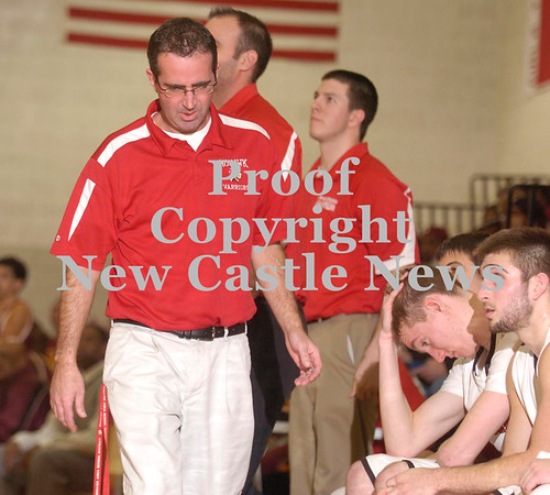 Erica Galvin/NEWS<br /> Mohawk head coach Rob Fadden and his players, Jonathan Grim and Vince Menichino, right, react to the 48-40 loss to New Brighton.