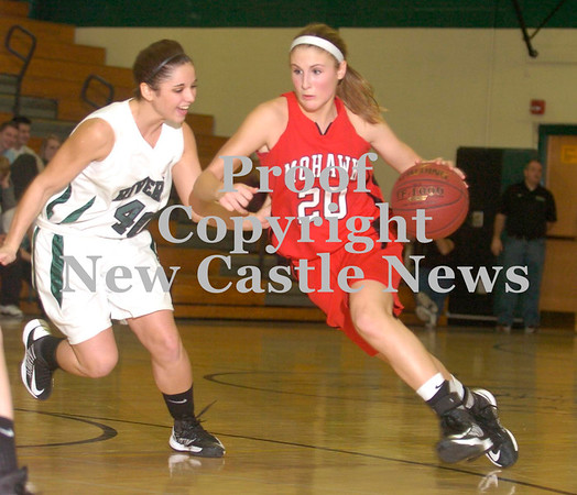 Erica Galvin/NEWS<br /> Shelby Brown drives the hoop as Riverside's Michaela LaNeve defends.