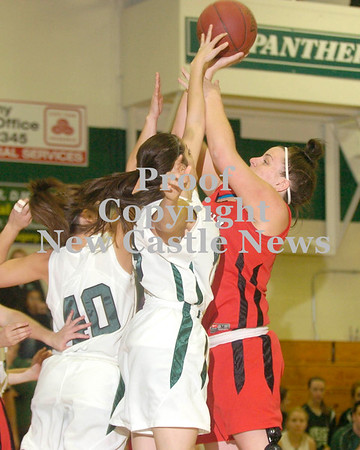 Erica Galvin/NEWS <br /> Mohawk senior Paige Ruby shoots over the Riverside defense in the first quarter.