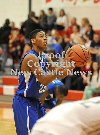 Courtney Caughey-Stambul/NEWS<br /> Union's Tre Major shoots a free throw in the second half.