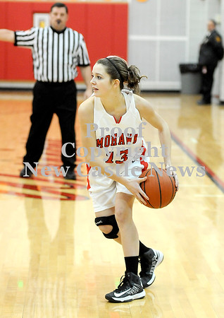 Courtney Caughey-Stambul/NEWS<br /> Mohawk's Samantha Carr searches for an open teammate.