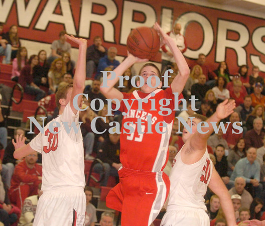 Erica Galvin/NEWS<br /> Neshannock's Ethan Moose splits the Mohawk defense in the first half.