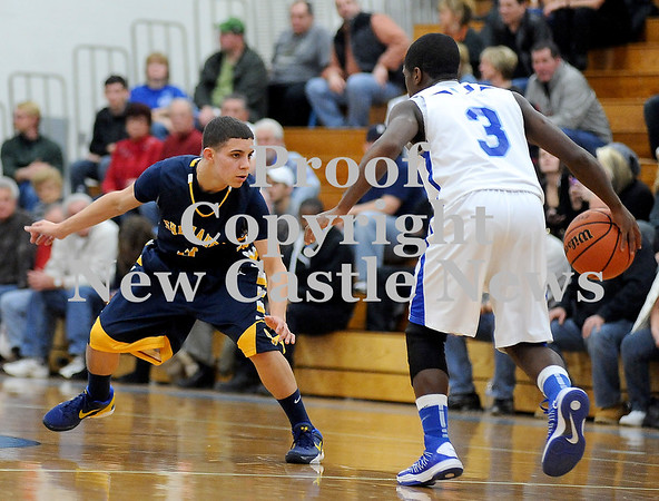 Courtney Caughey-Stambul/NEWS<br /> Shenango's Greg DePorzio guards Union's Drew Robinson.
