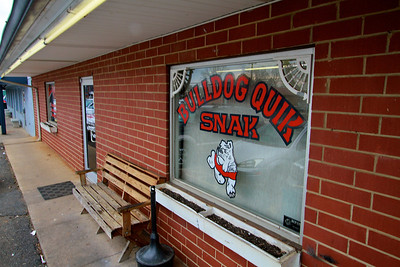 Photos of notable places in Boiling Springs and Shelby near Gardner-Webb University.  Bulldog Quik Snak