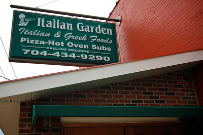 Photos of notable places in Boiling Springs and Shelby near Gardner-Webb University.  Italian Garden