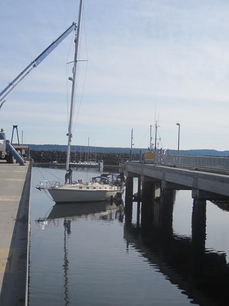 Pulling the mast.