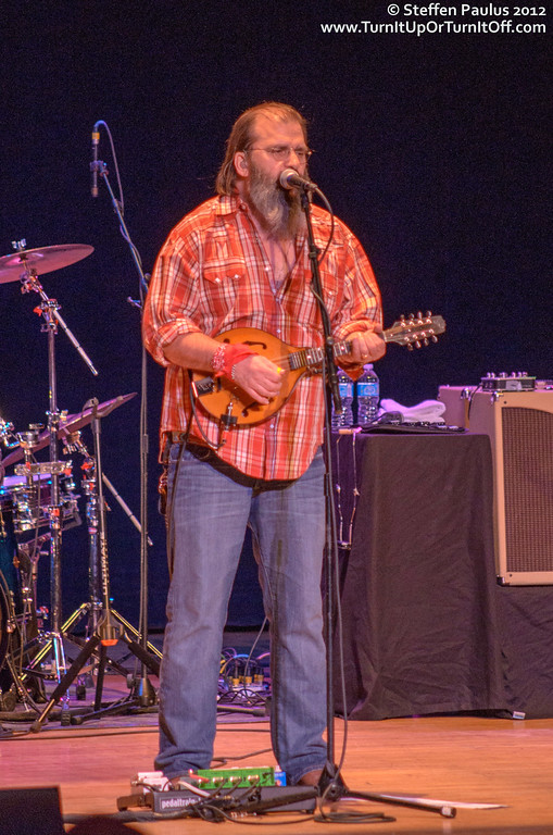 Steve Earle & The Dukes @ Massey Hall, Toronto, ON, 14-August 2012