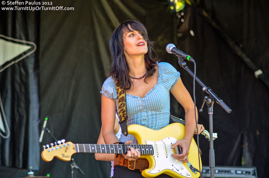 Scarlett Jane @ Queen West Music Fest @ Trinity Bellwoods Park, Toronto, ON, 18-Aug 2012